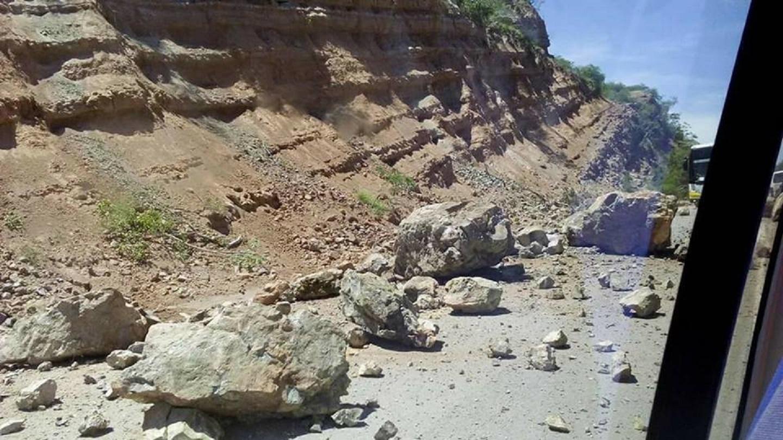 Tramo carretero dañado en Puebla