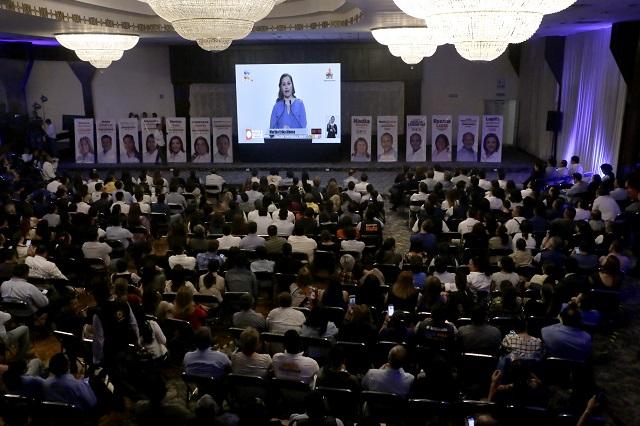 Arranca debate en Puebla con ataques a Barbosa