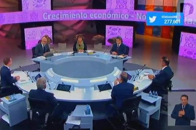 Candidatos intercambian acusaciones durante el tercer debate