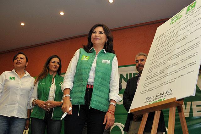Se compromete Blanca Alcalá con el Decálogo Verde