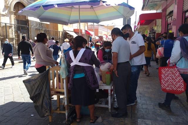 Mujeres de Coapan ignoran decreto y se instalan en Tehuacán