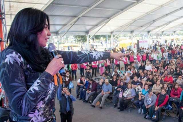 Delegada de Iztapalapa dice a jóvenes: no sean bueyes, no se embaracen