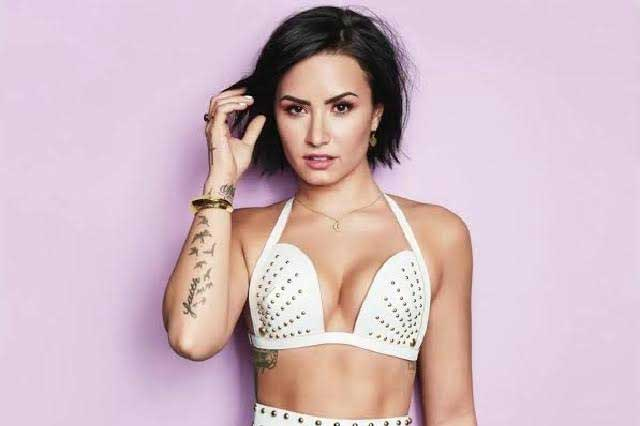 Demi Lovato sorprende con Waitin For You