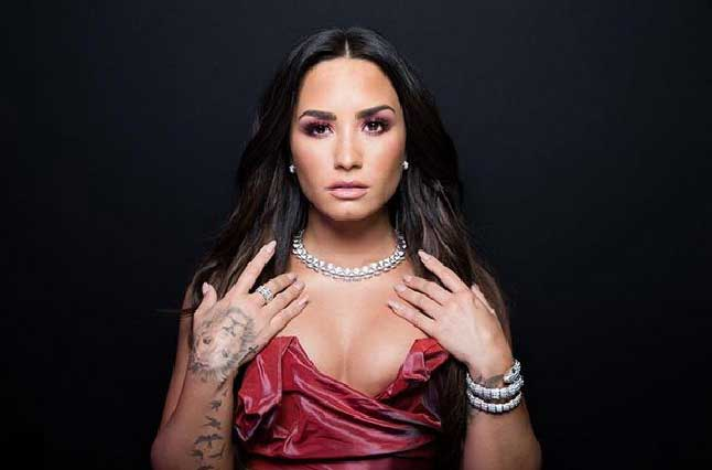 Mini cintura de Demi Lovato genera polémica: ¿abusó de photoshop?