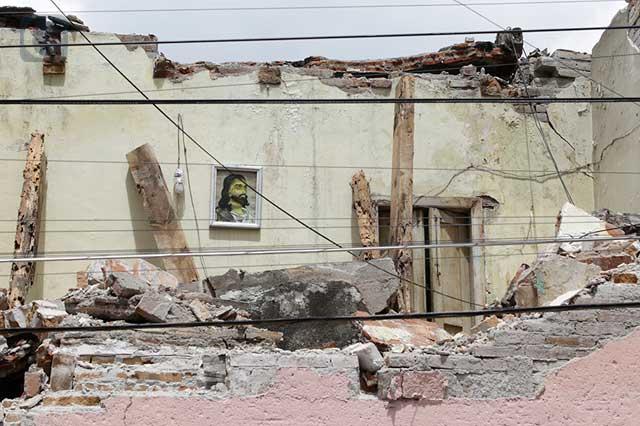 Omisión de INAH causó derrumbe de casona en San José, acusa familia