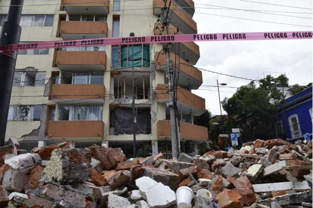 Capturan a un sujeto que robó en un departamento dañado por el sismo