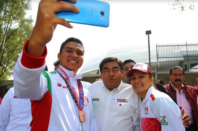 Generar una política del deporte para Puebla, plantea Barbosa