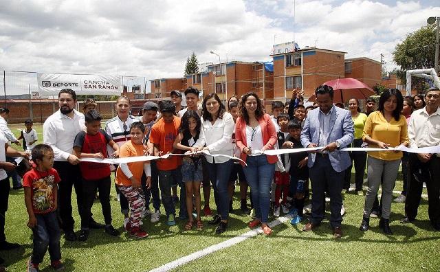 Entregan cancha de pasto sintético en deportivo de San Ramón