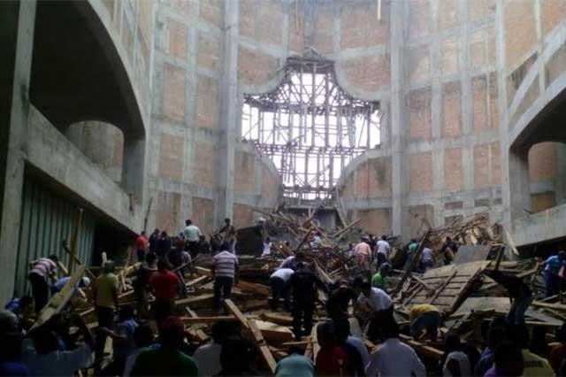 Confirman 4 muertos en derrumbe en catedral de San Juan Bautista Tuxtepec