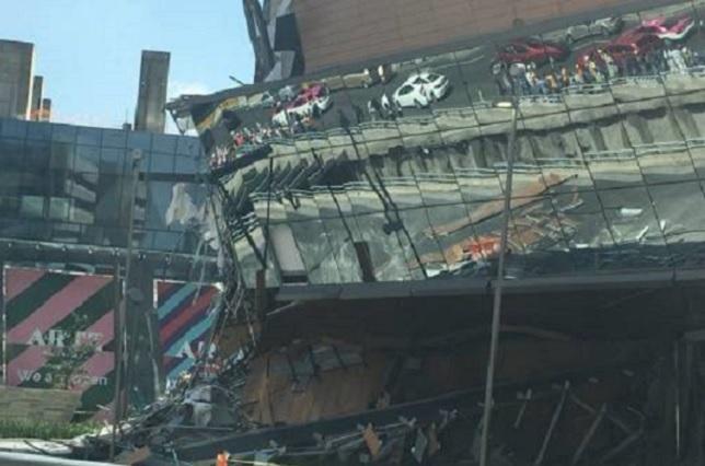 Graban derrumbe del centro comercial Artz Pedregal