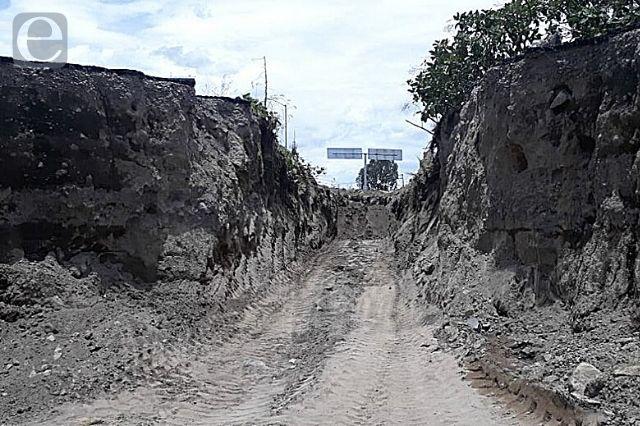 Vandalismo provocó derrumbe en carretera de Atlixco