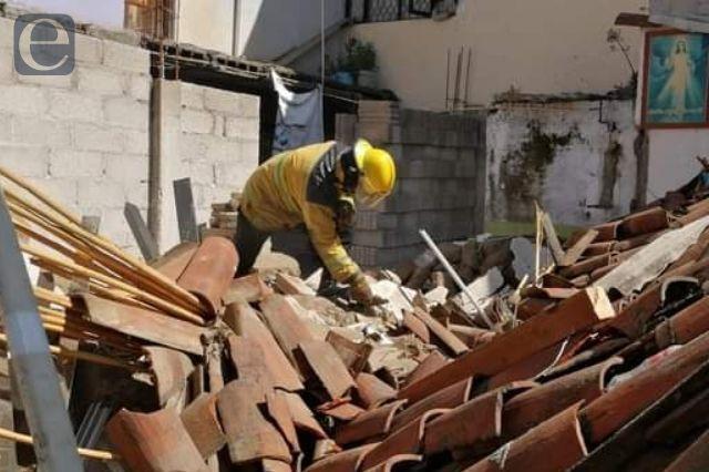 Se cae techo y lesiona a tres menores en Cholula