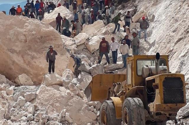 Confirman 5 muertos por derrumbe en mina de mármol en Hidalgo
