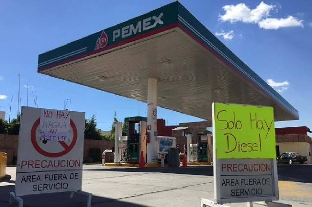 Reportan desabasto de gasolina en 12 estados del país