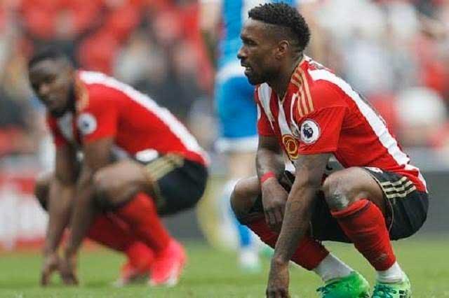 ¿Por qué dicen que anciano protagoniza la foto más triste del futbol?