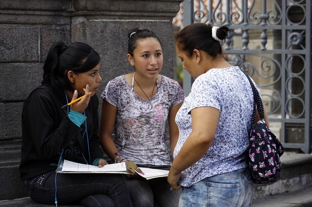 Empleo, principal preocupación de profesionistas, según encuesta