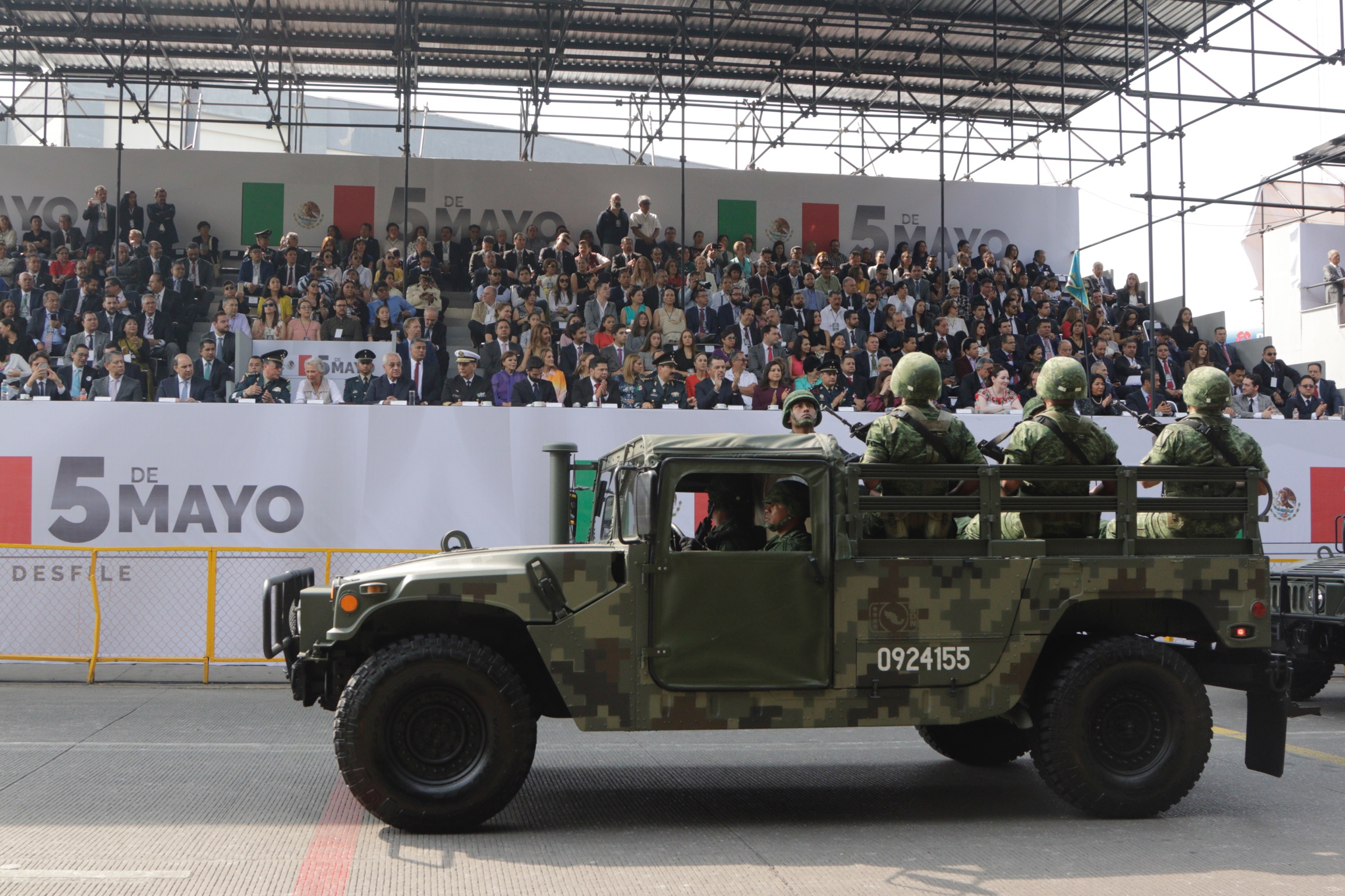 Arranca desfile del 5 de mayo y retoma la ruta tradicional