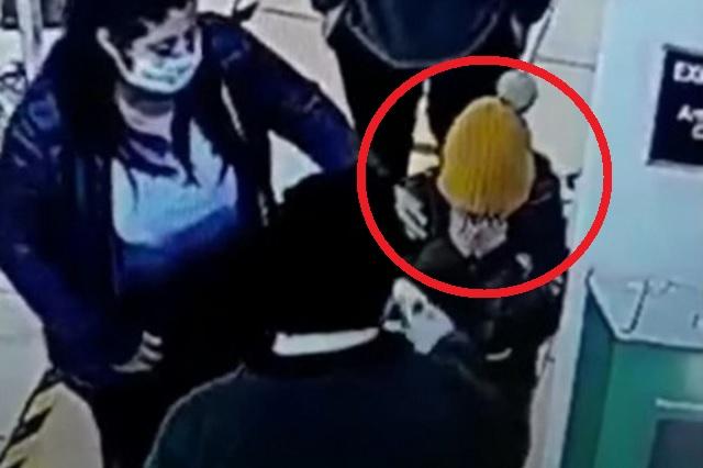 Guardia se confunde y rocía desinfectante en ojos de una menor