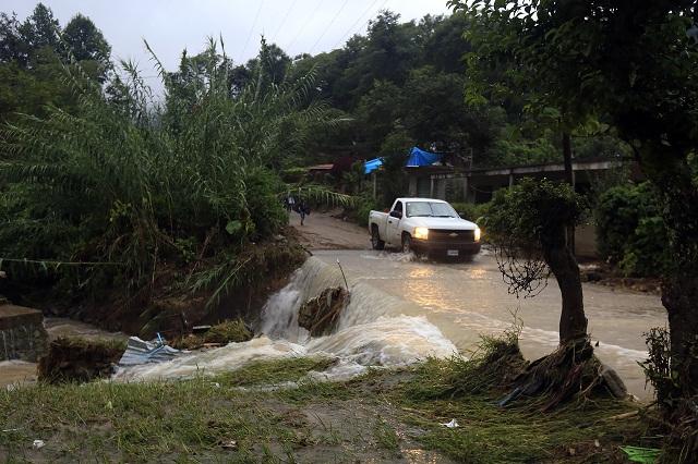Alertan sobre lluvias intensas y posibilidad de nuevos deslaves