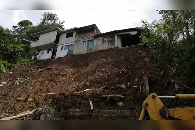 Ofrecen casa sin techo a afectados por deslave en Huauchinango