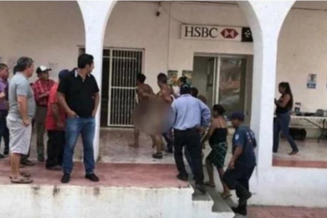 Vecinos desnudan y pasean por la calle a dos presuntos ladrones en Chiapas