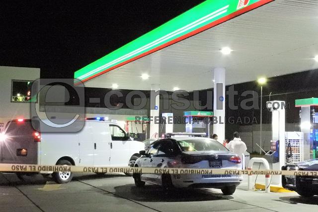 Matan a despachador durante asalto a gasolinera en Cholula