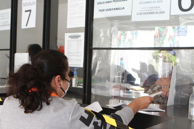 Vales de despensa a 14 mil trabajadores de la SEP en Puebla