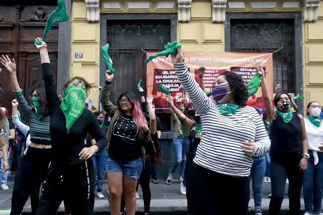 Exigen al Congreso no simular y despenalizar aborto en Puebla