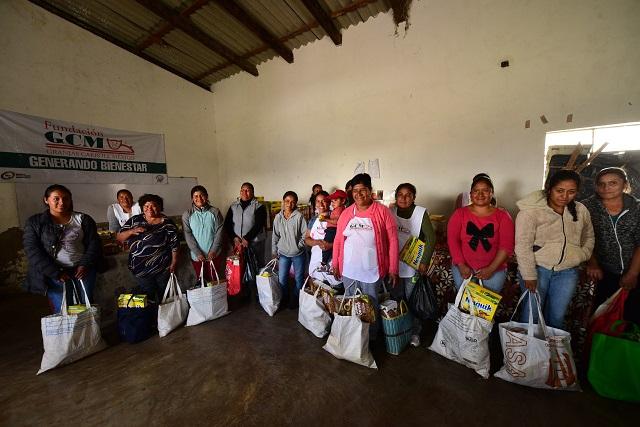 Apoya Granjas Carroll a más de 50 familias vulnerables de Perote