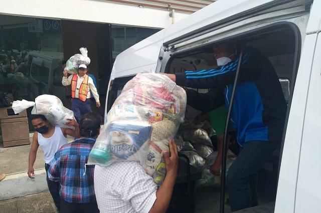 Entregan despensas en juntas auxiliares de Teziutlán