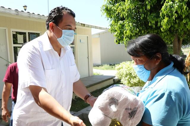 Entregan mil 300 despensas en juntas auxiliares de Tehuacán