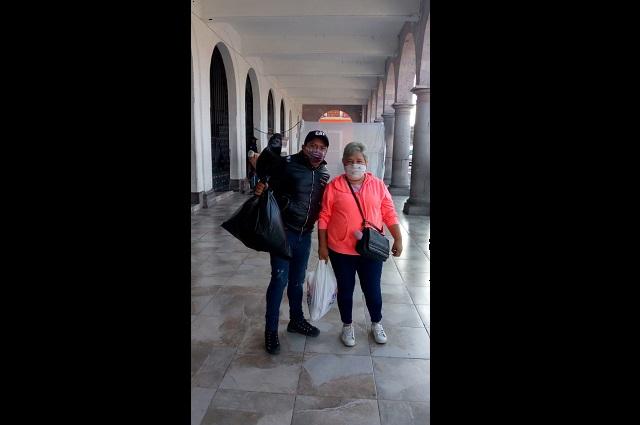 Comerciantes de Teziutlán reciben despensas por Covid-19