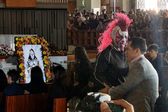 Despiden a La Parka en la Basílica de Guadalupe