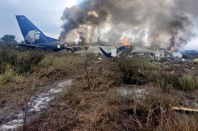 Una niña y el piloto, hospitalizados por desplome de avión en Durango