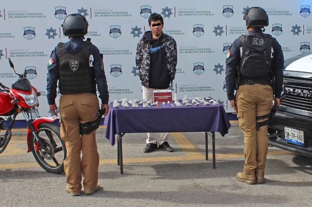 Lo detienen en Puebla con 50 dosis de drogas