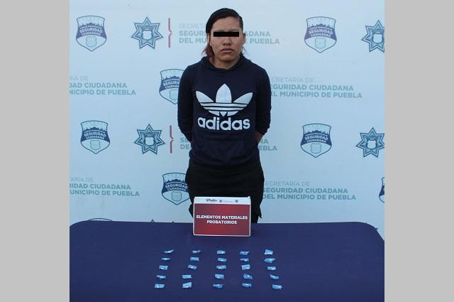Atrapan a mujer con 25 dosis de crack en colonia La Loma