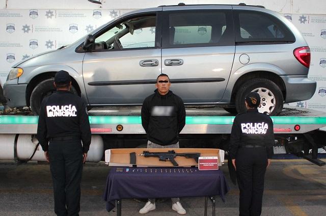 Detienen a presunto involucrado en robo a camioneta de valores