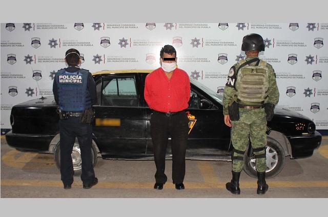 GN y Policía de Puebla capital recuperan taxi robado