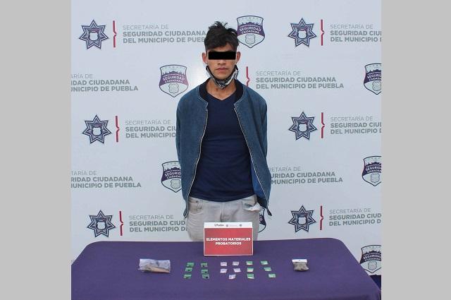 Detienen a narcomenudista en la Central de Abasto de Puebla