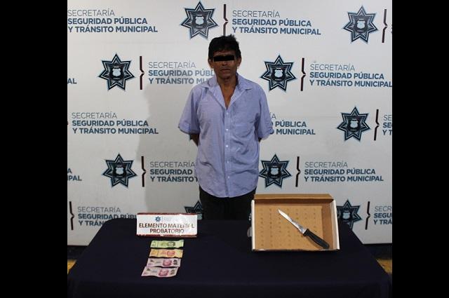 Policía de Puebla lo detiene por robo a tienda Oxxo