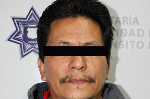 Repele policía municipal agresión en Puebla y detienen a persona