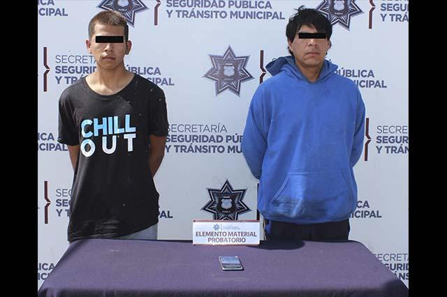 Detuvo policía de Puebla a pareja que robó a dos adolescentes