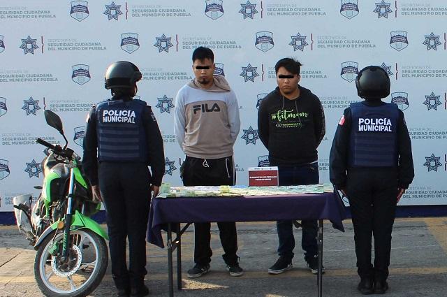 Caen dos hombres por robo a casa en Xilotzingo