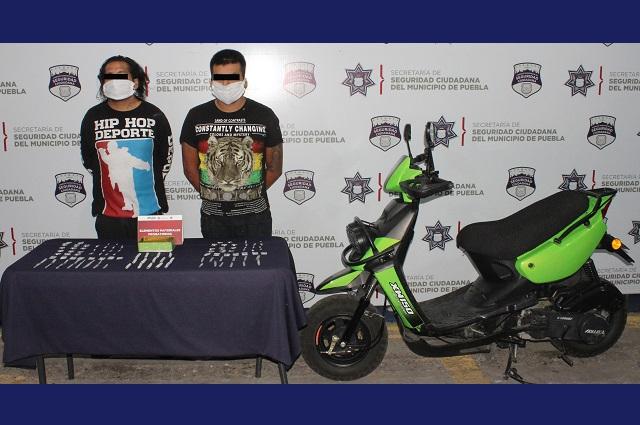 Detienen a dos narcomenudistas en La Acocota, en Puebla capital