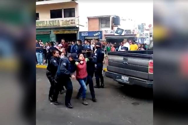 Detienen a 4 que agredieron policías municipales en Amalucan