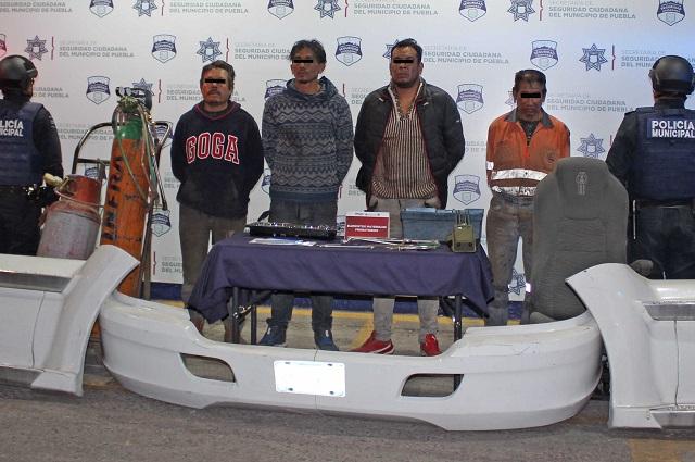 Desarticulan banda que desmantelaba coches en Puebla
