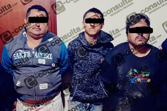 Los detienen con droga y arma de juguete en Xicotepec