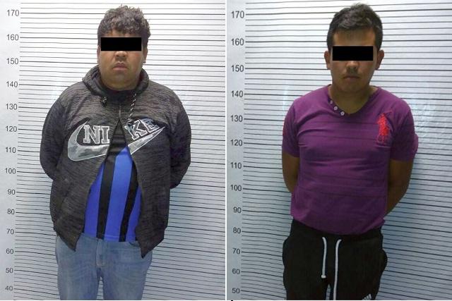 Dos detenidos por robo en comercio en Amozoc