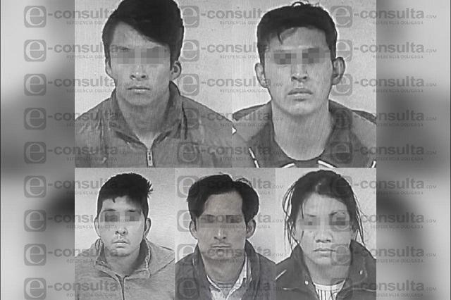 A disposición de Juez detenidos por agredir a policías de Amozoc