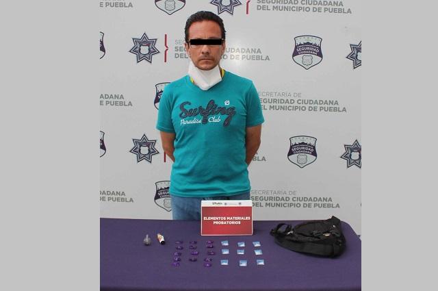 Persiguen y detienen a 3 que robaron un vehículo en Puebla